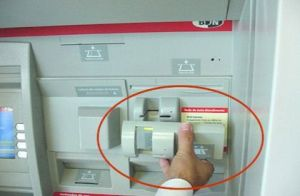 atm-credit-card-skimmer-3